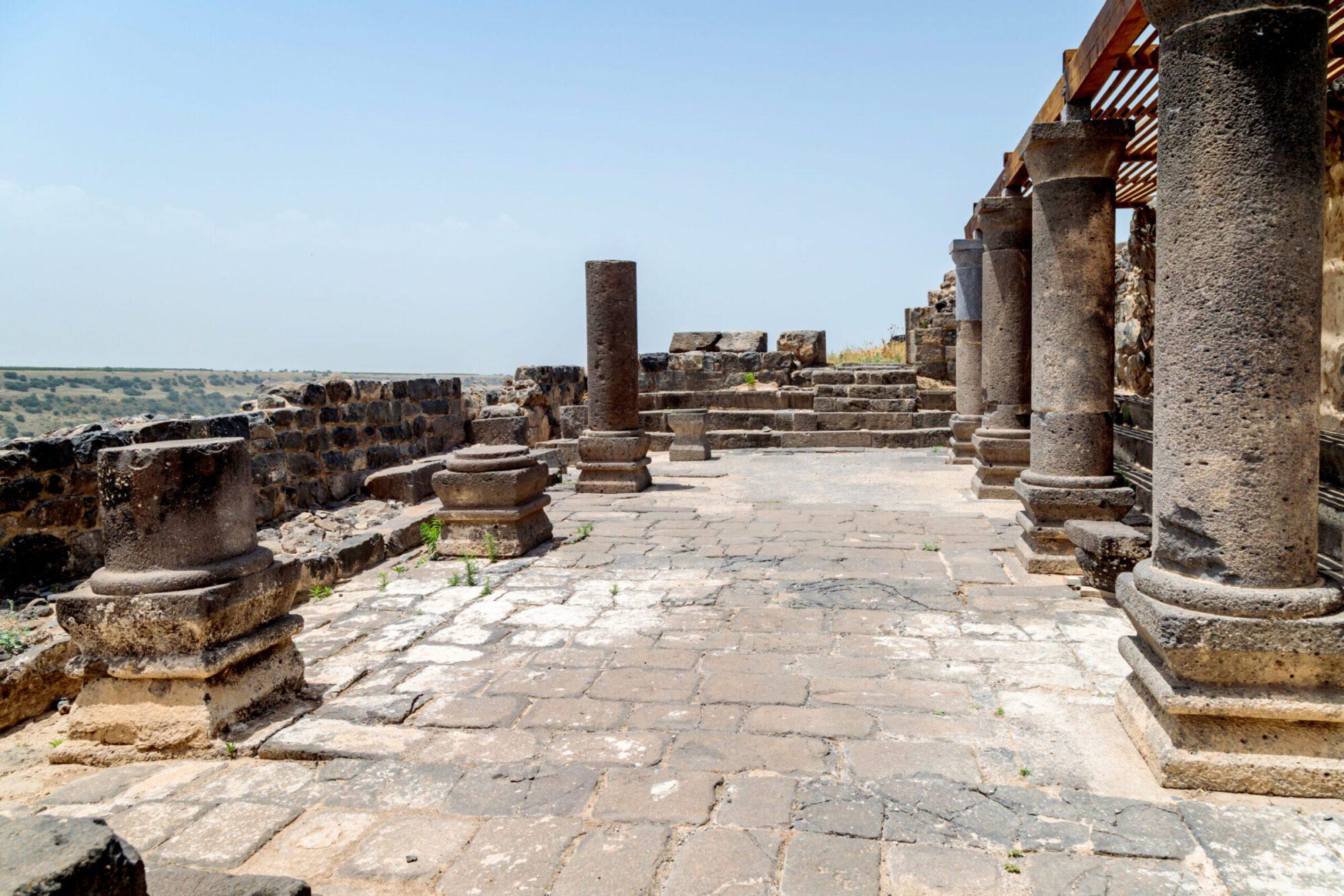 Israel Archaeological One Day Tours - Umm el-Qanatir ruin