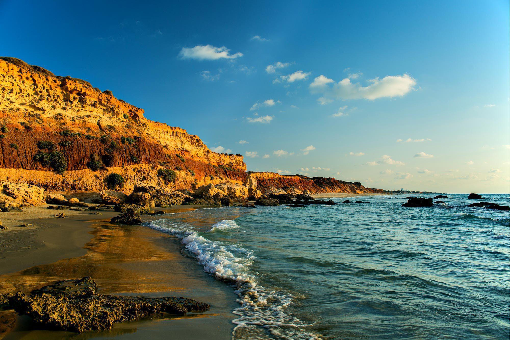 Gdor Shoreline