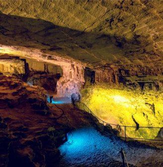 Zedekiah's Cave (Solomon's Quarries)
