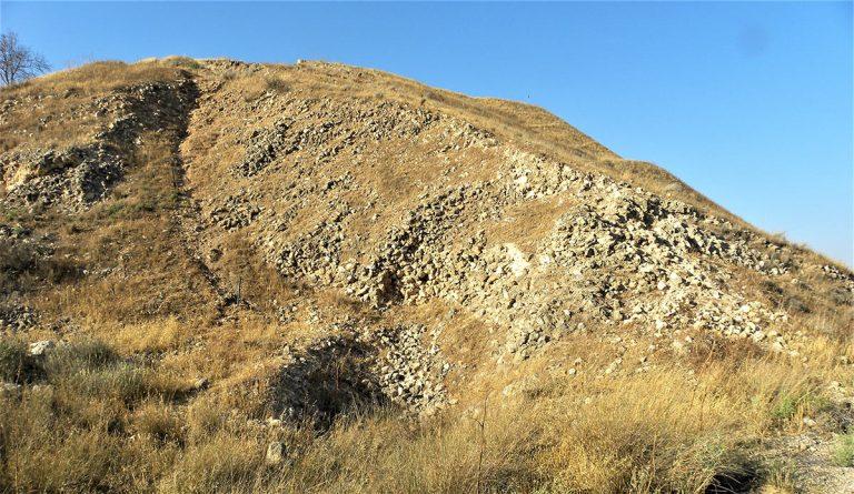 Judean Hills Tour - Ancient Assyrian Siege Ramp