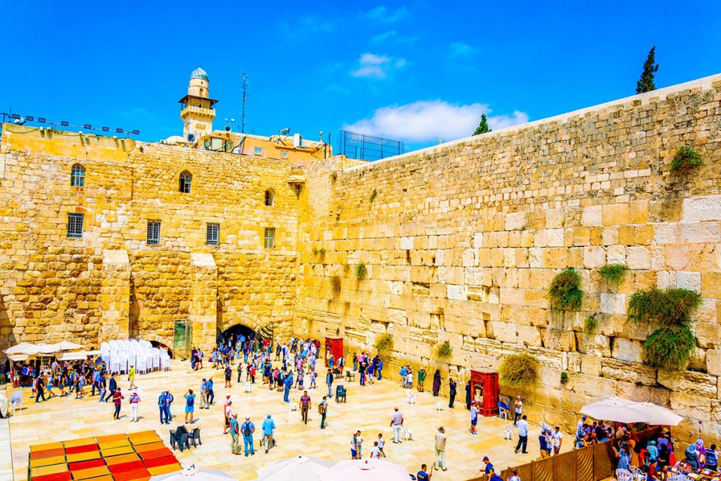 Jerusalem-Jewish-Heritage-Tour-Western-Wall-People