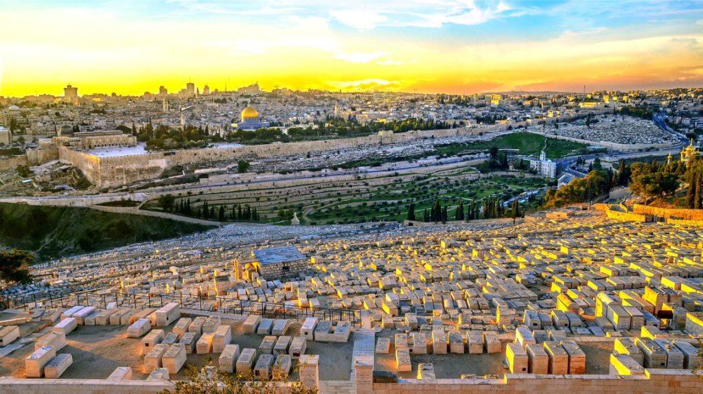 Jerusalem Jewish Heritage Tour-Mt.-of-Olives-Jewish-Cemetery