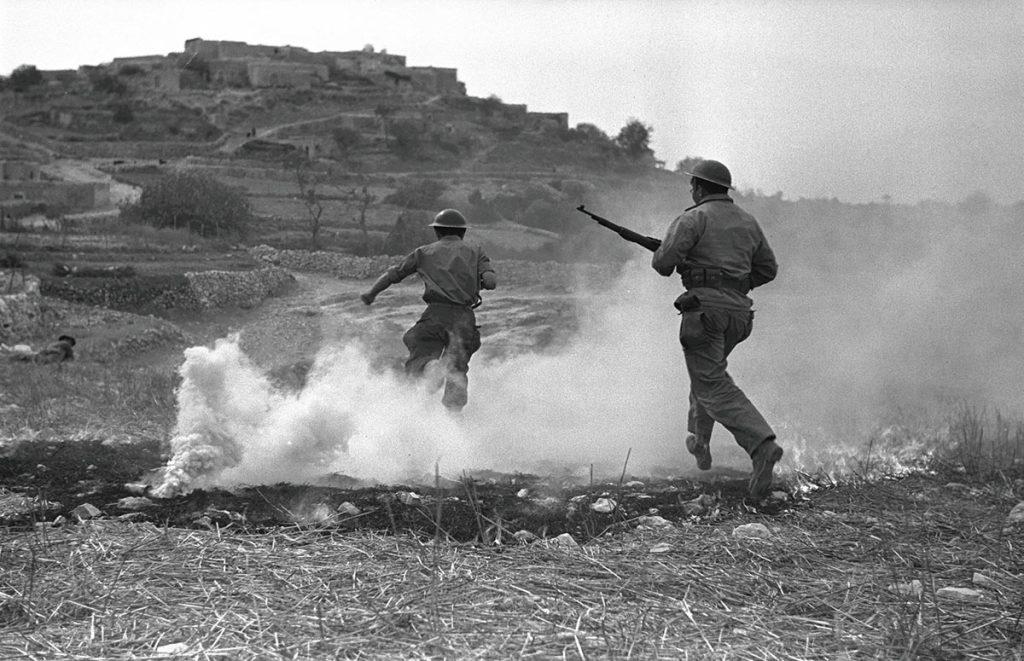 The-Palestine-War-1947-1949-Israeli-soldiers-in-battle-with-the-Arab-village-of-Sassa