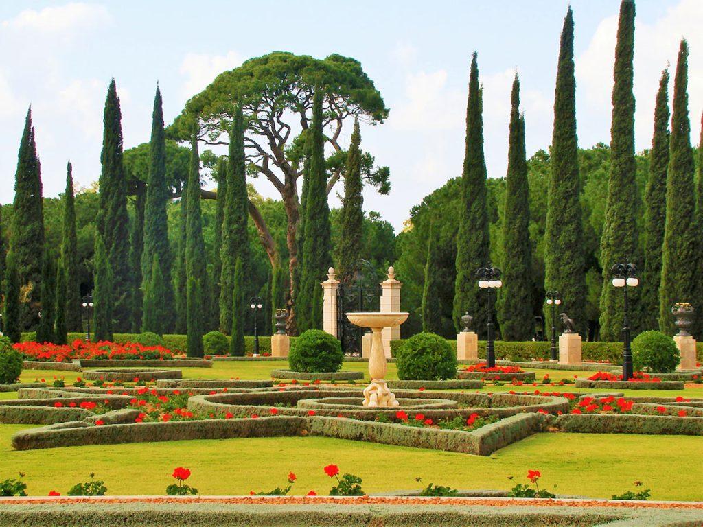 The-Bahai-Faith-The-Gardens-in-Acre