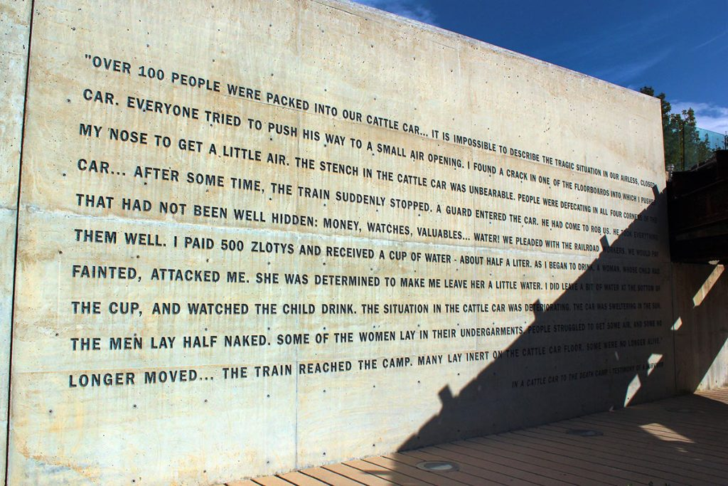 The-Memorial-to-the-Deportees-Inscription